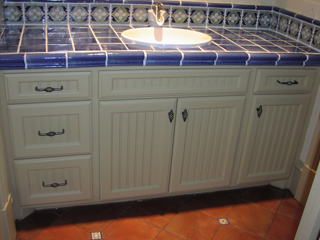 Custom Cabinet & Countertops